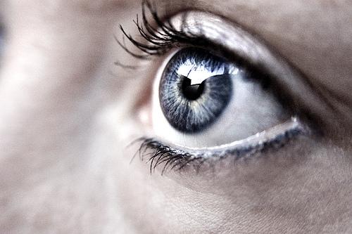如何降低電腦對眼睛的傷害