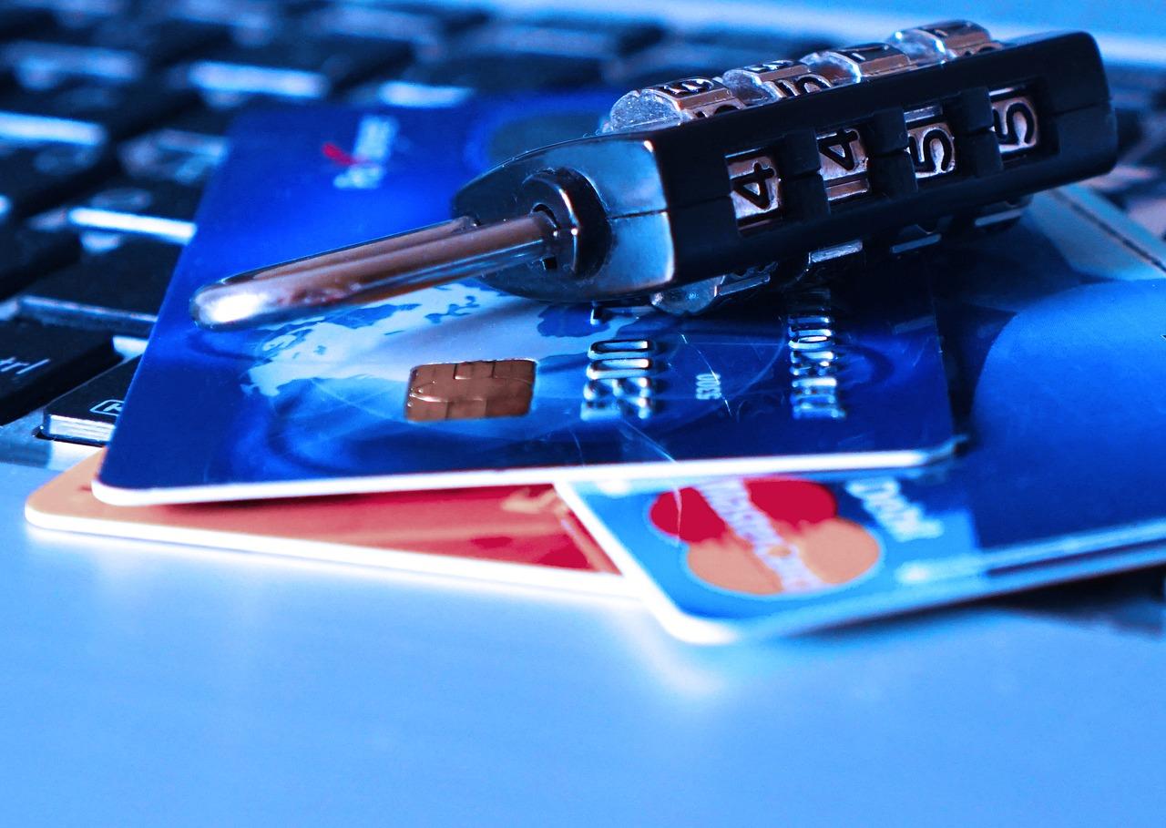 信用卡剪卡 是否會影響信用評分 以及多久可以剪卡